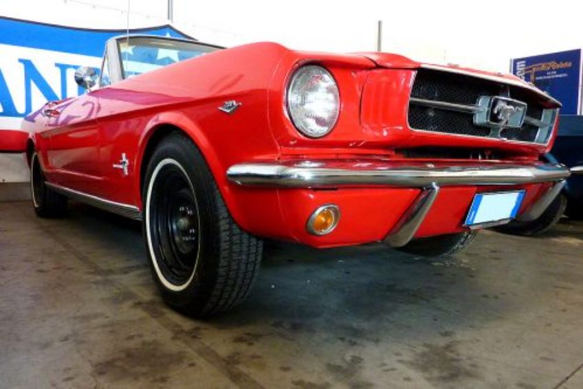 Mustang V8 cabrio BY G...